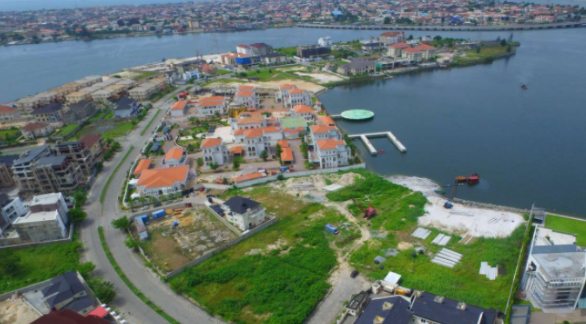 在基础设施压力和其他挑战中,拉各斯岛的房地产价值暴跌
