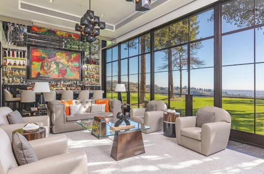 新视频走进西尔维斯特·史泰龙耗资1.1亿美元的贝弗利山庄豪宅