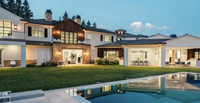 麦当娜从Weeknd购买了她最新的洛杉矶房屋