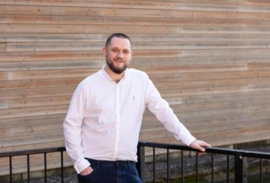 房地产市场在Swindon蓬勃发展 抵押贷款经纪人增加了新员工以应对需求