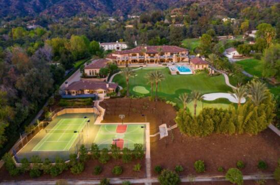 亿万富翁汉堡女继承人以1680万美元列出洛杉矶地产