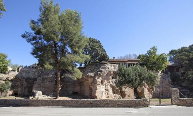 瓦伦西亚价值200万美元的西班牙别墅坚如磐石