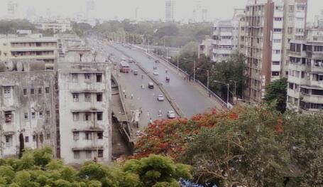 这是今年Amitabh Bachchan与Sunny Leone和其他一些人在孟买购买豪宅的费用