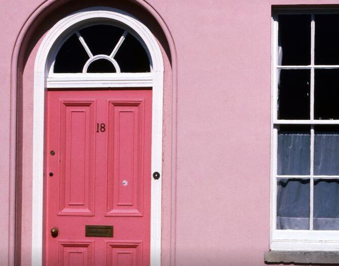 英国房地产销售僵局看到管道中的创纪录的700000个待处理交易