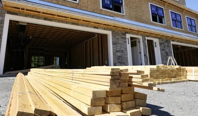 通货膨胀迫使房屋建筑商放慢速度 提高价格