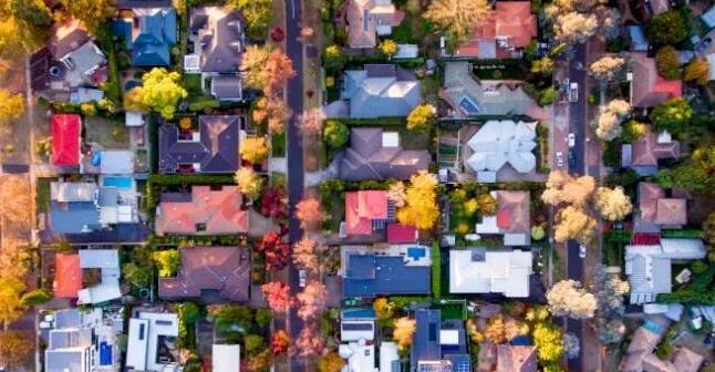 如何在卖方市场出售房产
